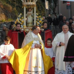Festa di Gesù Bambino, la processione anticipa l'Epifania