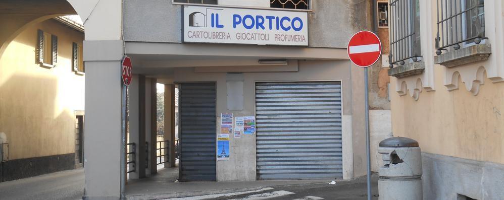 """Appiano, addio """"Portico""""  La cartoleria chiude dopo 100 anni"""