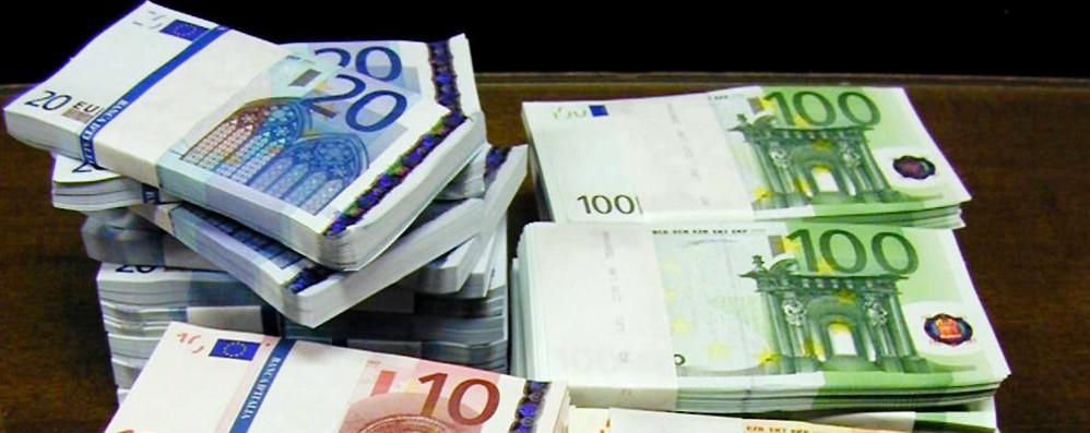Nella notte l'euro  al minimo storico sul franco