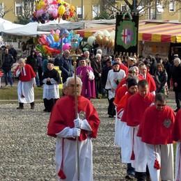 Erba, folla alla fiera di Sant'Antonio