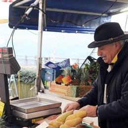 Pere, mele e limoni  Mercato a Moltrasio