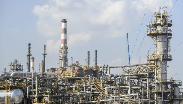 Petrolio: in rialzo a 46,98 dollari