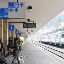 Pendolari, guasto a Milano Bloccati i treni per Chiasso