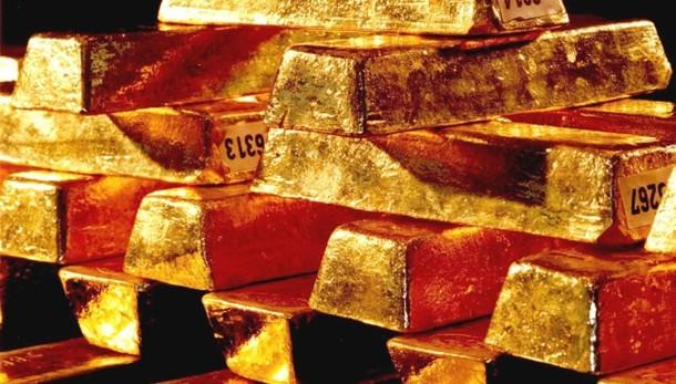 Oro: in calo a 1.272,44 dollari