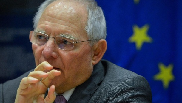 Schaeuble,Grecia soffre a causa politici