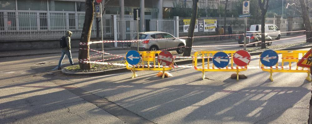 Viale Varese,  deviazione per i lavori