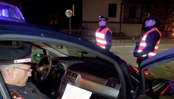 Como, tenta di uccidersi  Bancario salvato dai carabinieri