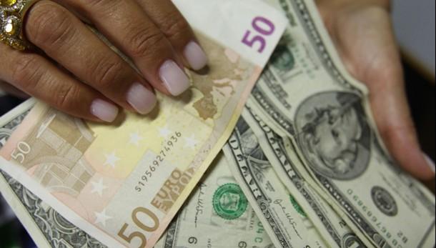 Cambi: euro ancora in calo a 1,28 dlr
