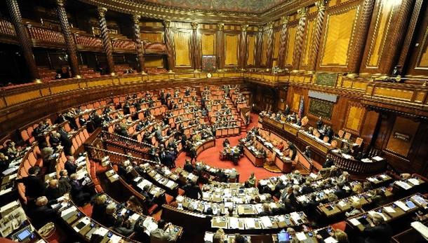 Lega,Renzi riferisca in Aula su dl Fisco