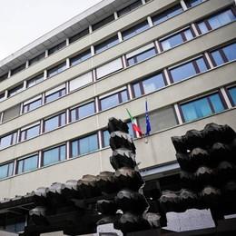 «Volevano fare una rapina al Capolinea»  Presi dai carabinieri, rumeni a processo