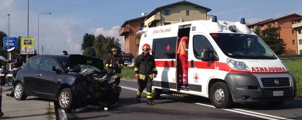 Frontale fra due auto  Due persone ferite