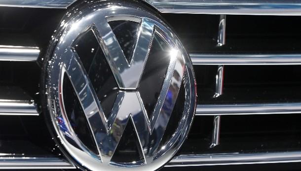 Vw, sospesa vendita 1300 veicoli Italia