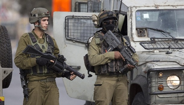 Cisgiordania: israeliano pugnalato
