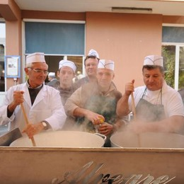 Fontana di cioccolato e castagne  Una festa del gusto a Olgiate