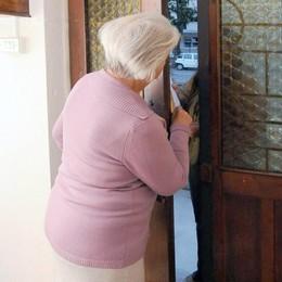 Como, l'ultima truffa  agli anziani  Il falso sondaggio