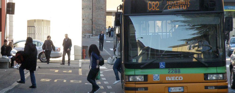 """Cantù, ritocco di sei minuti  Basta """"sardine"""" sui bus degli studenti"""