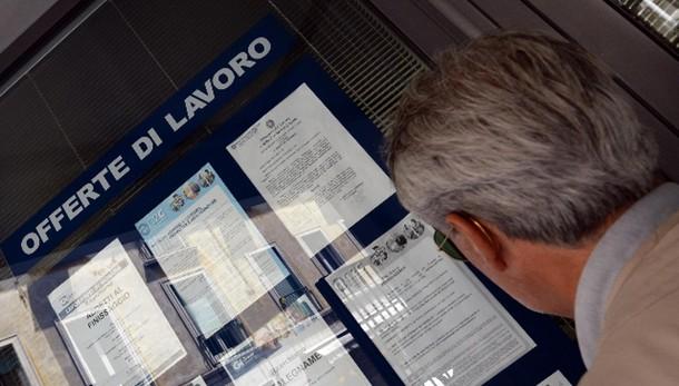 Istat:disoccupazione settembre 11,8%