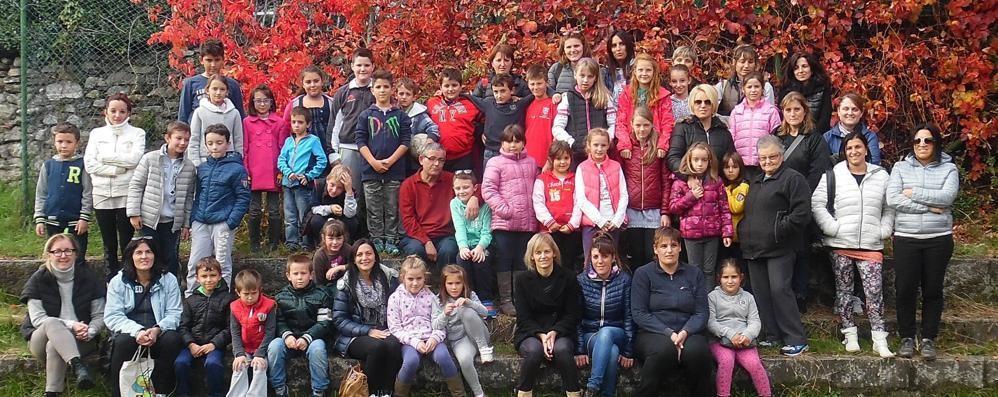 Il parroco di Sorico: «Ai profughi penso io»  Scuola di italiano, passeggiate e lavoretti