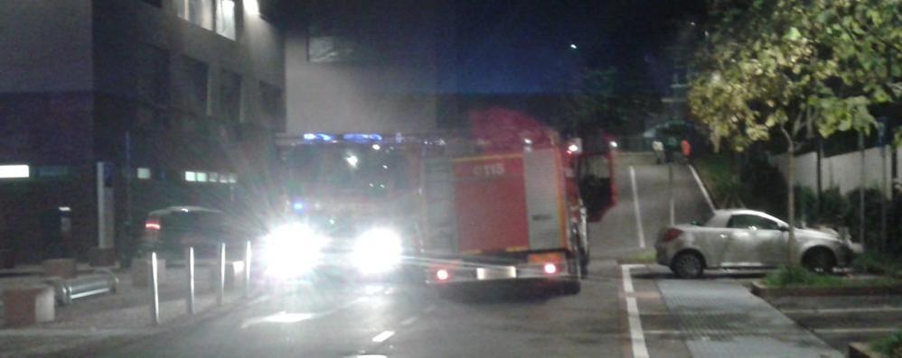 Allarme incendio a Olgiate  I pompieri in piazza Italia