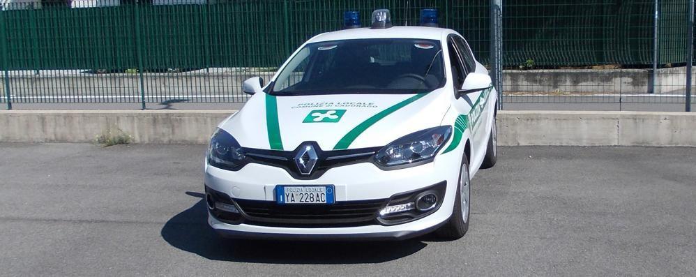 Cadorago, il sindaco boccia la nuova auto dei vigili: «È straniera, l'avrei preferita italiana»