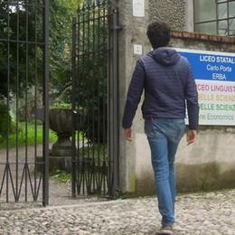 """Erba, documenti solo online  Il liceo """"Porta"""" si fa ecologico"""