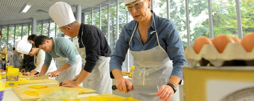 Vino ma anche olio e formaggi tipici  A Villa Erba vince la tradizione del gusto
