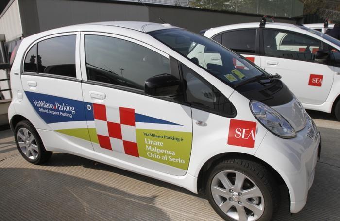 Le auto elettriche in servizio a Malpensa