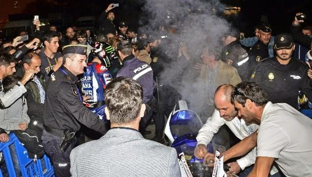 Moto:Lorenzo festeggia,Yamaha va a fuoco
