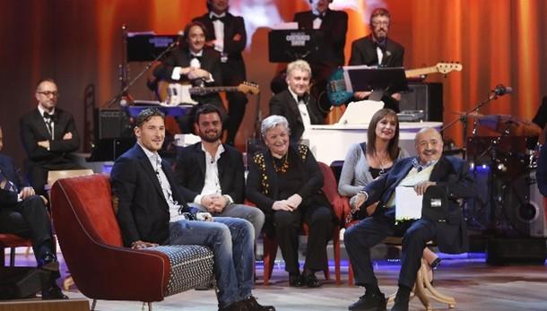 Torna il Costanzo show, tra ospiti Totti