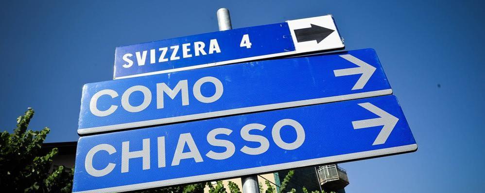 Limiti agli stranieri in Ticino  Più di 100mila firme contro
