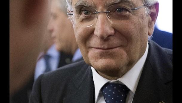 Mattarella firma dl 'salva-Regioni