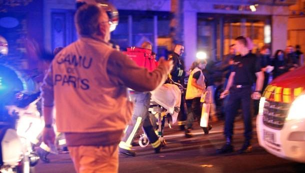 Parigi: Hollande, è atto guerra Isis