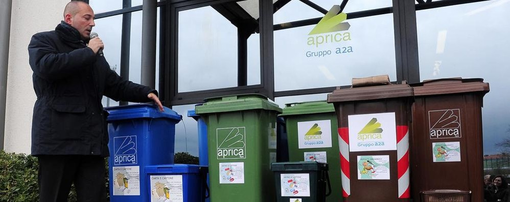 Como, raccolta differenziata ferma al 65% Tante discariche abusive, poche multe