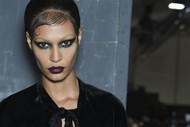 Givenchy, anche i jeans sono couture