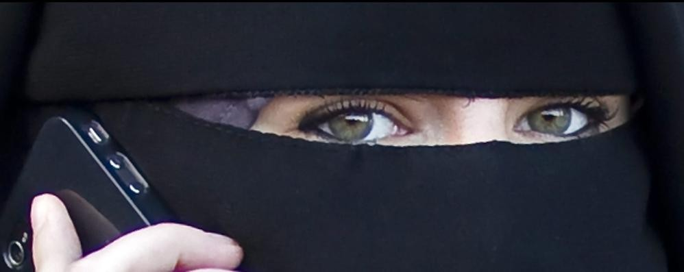 Stretta contro burqa e niqab  Dal 2016 vietati negli ospedali