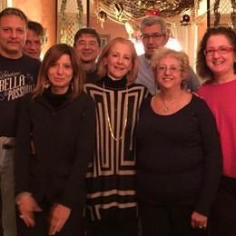 San Fermo, il supplente che stregò tutti  A cena con gli ex alunni dopo 36 anni