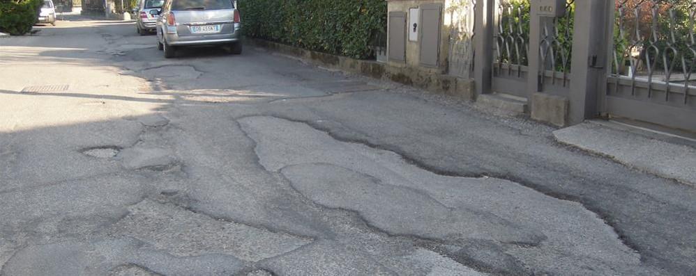 Erba, arrivano 200 mila euro  per rifare l'asfalto delle strade