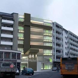 Sempre più turisti a Como  Partono i lavori per un nuovo hotel
