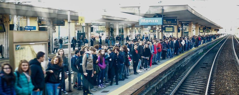 Guasto a Monza, treni in ritardo