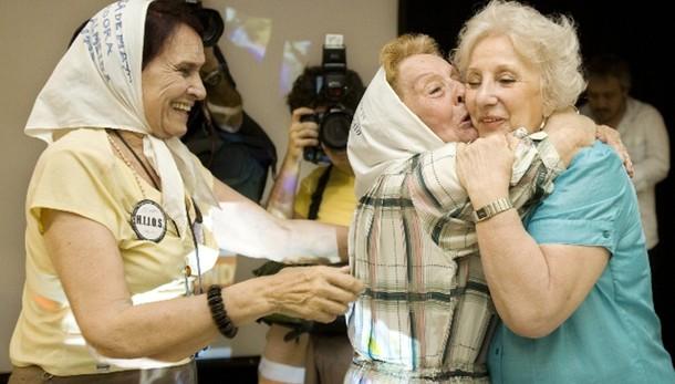 Nonna di 'Plaza de Mayo' ritrova nipote