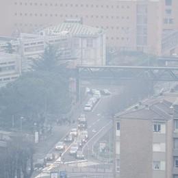 Maroni e i sindaci a Renzi «Bonus per rottamare  auto e caldaie vecchie»