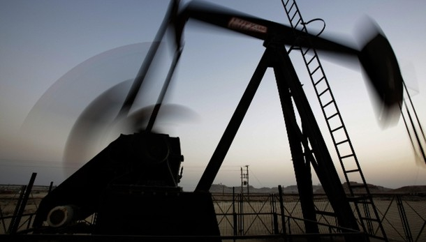 Petrolio: in calo a 37,69 dollari