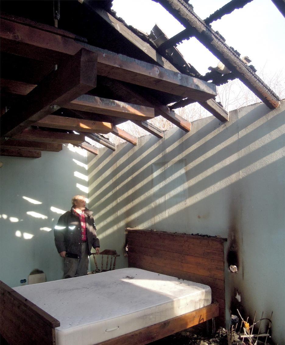 La camera da letto devastata