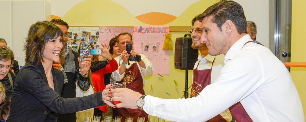 Zanetti cameriere per l'asilo Bernasconi  «Con questa scuola un legame speciale»