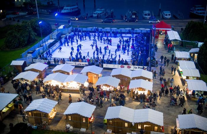 Como Città dei Balocchi, panoramica mercatino e pista ghiaccio piazza Cavour