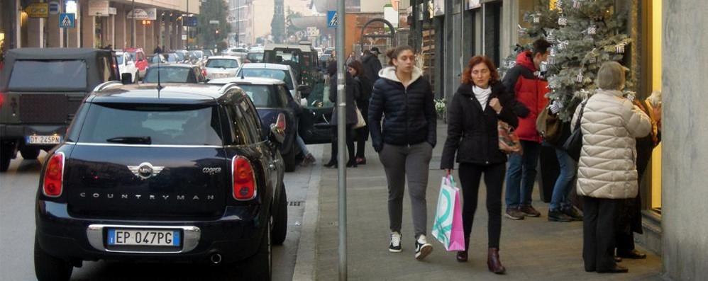 Tanti eventi, pochi acquisti  Shopping a rilento ad Erba