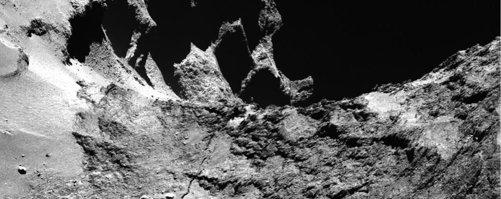 """Il """"bacio"""" di Rosetta  con la cometa"""