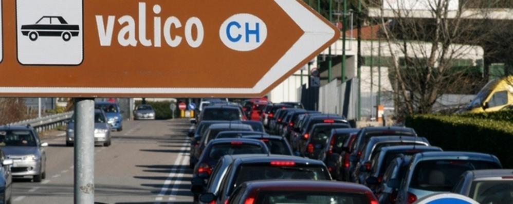 «Così la Svizzera taglia il lavoro dei frontalieri»