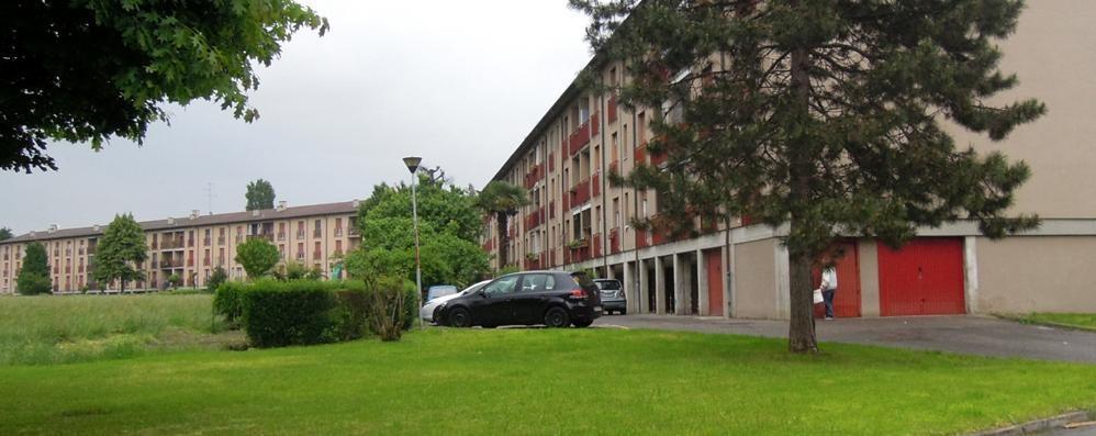 Emergenza case popolari  Cantù, in 200 per 5 alloggi