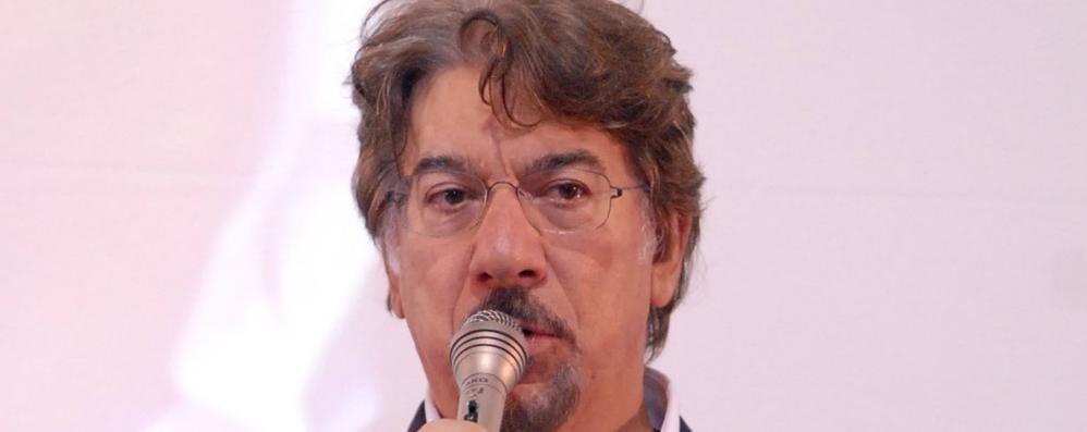 Columbro sul palco a Cantù  Storia d'amore al Fumagalli